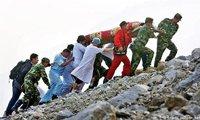 2008年5月12日:汶川发生8.0级地震,直接严重受灾地区达10万平方公里,超过8万同胞遇难,近40万人受伤,直接经济损失达8452亿元。