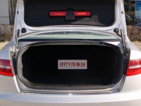 奥迪-奥迪A6L车厢内饰图片