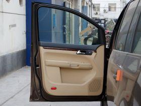 大众-途安车厢内饰图片