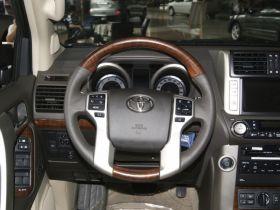 丰田-普拉多中控方向盘图片