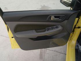 福特-福克斯车厢内饰图片