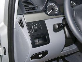 奔驰-威霆中控方向盘图片