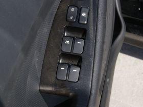 起亚-起亚K5车厢内饰图片