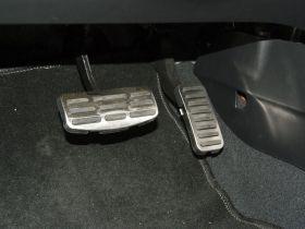 起亚-速迈车厢内饰图片