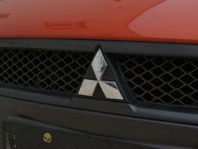 三菱-三菱翼神车身外观图片