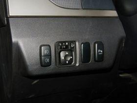 三菱-帕杰罗(进口)中控方向盘图片
