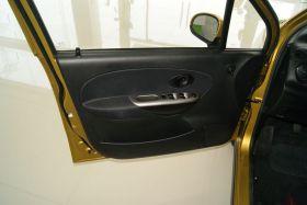 雪佛兰-乐驰车厢内饰图片