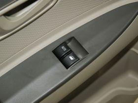一汽-夏利车厢内饰图片