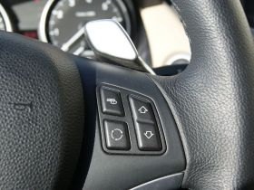 宝马-宝马X1中控方向盘图片