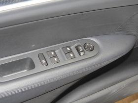 标致-标致308车厢内饰图片