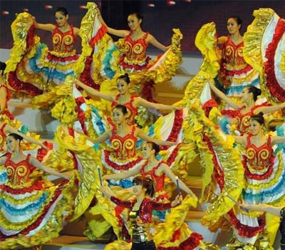 Durante 184 días, se organizaron muchos espectáculos para presentar mejor la varidad de cultura,los espectáculo atrajeron numerosos visitantes de todo el mundo.
