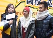 Amigos extranjeros cantan canción china