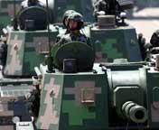 履带式自行榴弹炮方队