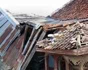 地震中损毁房屋