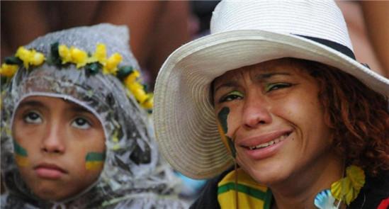 巴西遭德国无情轰射 全场1-7球迷崩溃痛哭