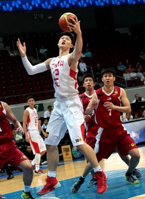[高清组图]中国男篮狂胜马来西亚 基本确定出线