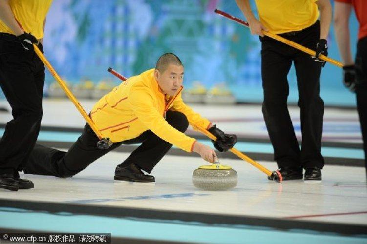 [高清组图]男子冰壶循回赛第一轮 中国7-4战胜丹麦