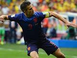 [世界杯]罗本单刀被拉倒获点球 范佩西一蹴而就