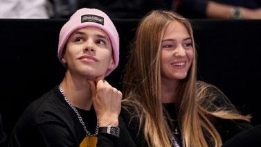 [圖]貝克漢姆次子羅密歐攜女友觀戰ATP總決賽