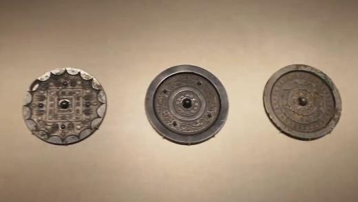 《國寶很有戲》 第四集 漢尚方博局紋銅鏡 00:10:43