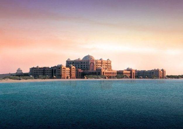 组图:40吨黄金打造世界唯一八星级酒店