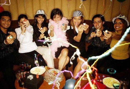 生日晚会正迅速从家庭聚会演变为由专业人士布置的、花费数十万卢比的活动。