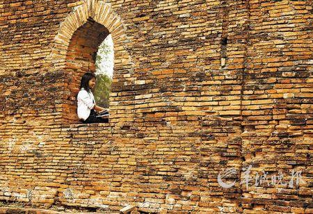 泰国中部城市大城是泰国历史文化名城 凌朔 摄