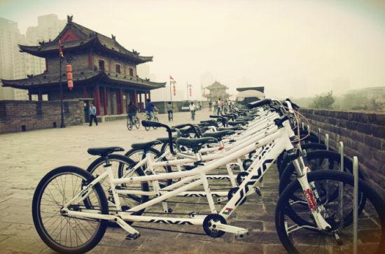 新浪旅游配图:西安古城墙 摄影: