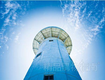台湾拥有百余年历史的鹅銮鼻灯塔就位于垦丁国家公园内,一度被认为是台湾最南端的标志。