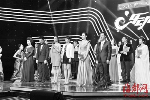 六位选手从左至右为:刘淘、周建坤、蔡昕彤、施蔚、李优、郑海兵