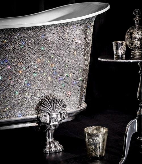 浴缸细节也奢华闪耀