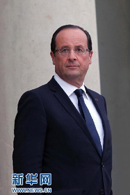 4月25日,应中国国家主席习近平邀请,法国总统弗朗索瓦·奥朗德抵达北京,开始对中国进行国事访问。 新华社记者 王晔 摄