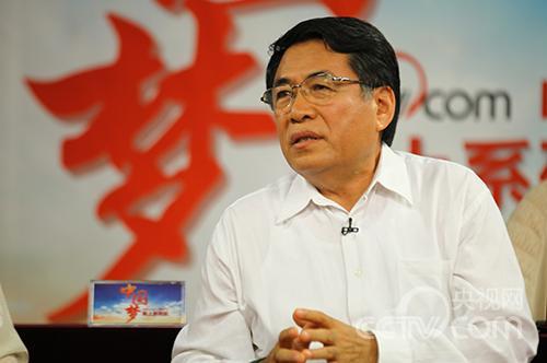 中国艺术研究院中国油画院院长杨飞云