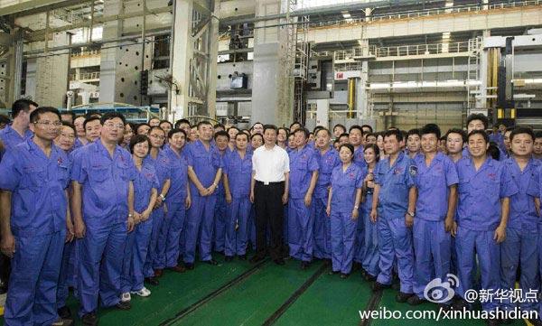 21日下午,习近平来到武汉重型机床集团有限公司。
