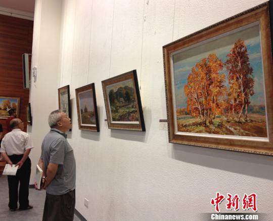 俄罗斯油画珍藏巡回展20日在江苏无锡启幕。 孙权 摄
