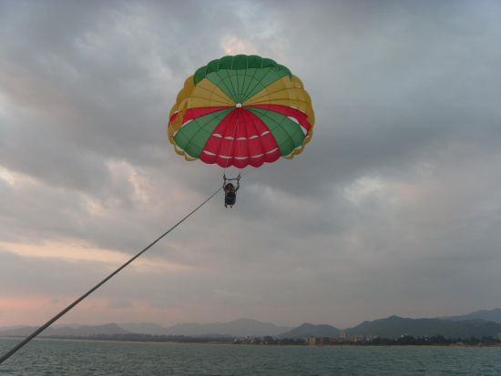 海上拖伞项目