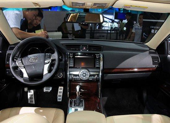 一汽丰田新款锐志售20.98万起