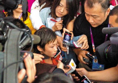 年纪轻轻成为媒体焦点