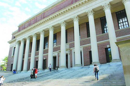 哈佛最大的图书馆——Widener图书馆。