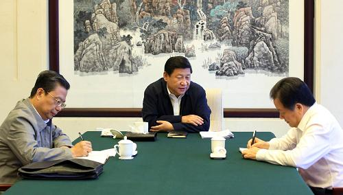 这是9月23日上午,习近平同河北省委书记周本顺谈心谈话。记者 兰红光 摄