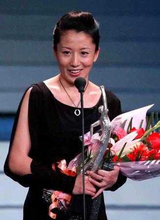 杨扬在2002年体坛风云人物颁奖盛典上。