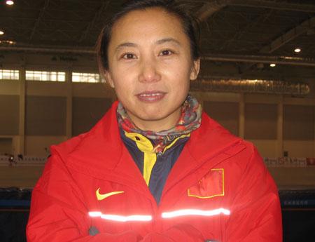 李焱已经成为中国短道速滑队教练