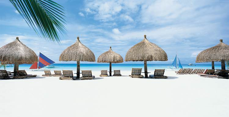 长滩岛珍珠白色的沙滩