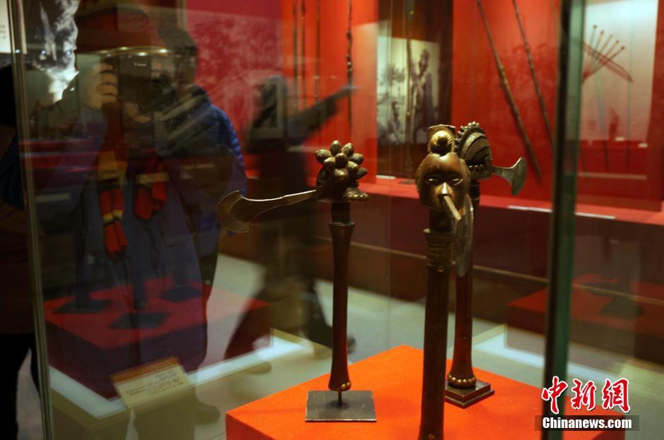 图为赞比亚1880—1920年奔巴族使用的战斧。周小云 摄