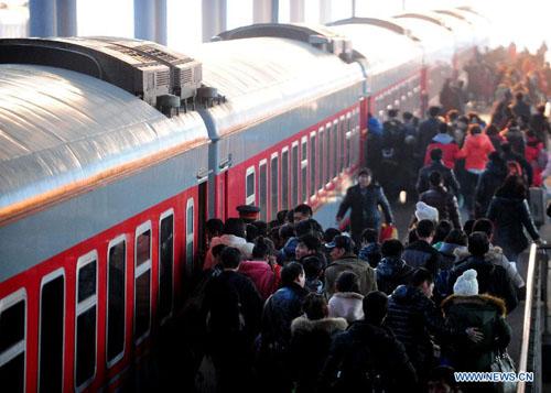 ارتفاع عدد رحلات السفر برا قبيل حلول عيد الربيع الصيني