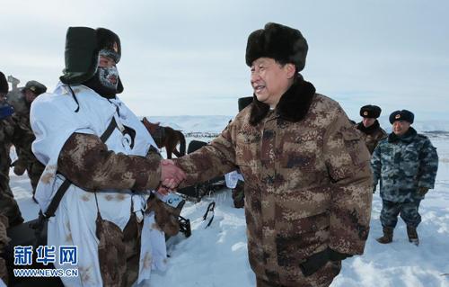 شي جين بينغ يزور جنود وضباط الحدود قبيل عيد الربيع الصيني