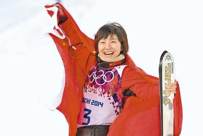 徐梦桃在决赛后庆祝。