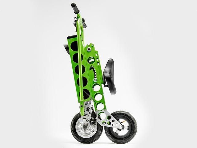 可折叠的电动自行车亮相 充电一次可骑20公里