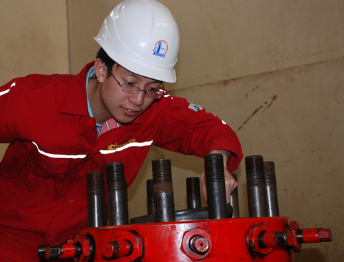填补了塔河油田稠油井的高压物性资料长期空白