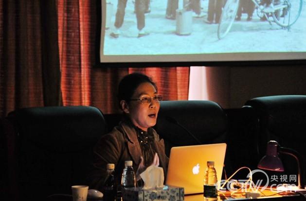 吕静波 张雷在齐齐哈尔大学进行艺术讲座